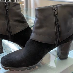 New The Flexx Dip Rock Leather Suede Ankle Boots